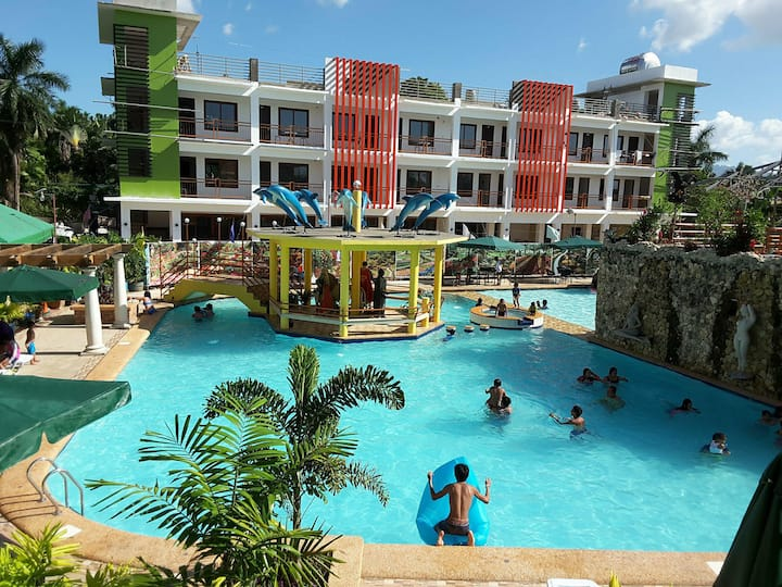 Moalboal Tropics - Airconditioned Dormitory 6 pax
