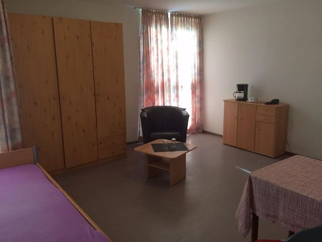 Fully equipped bright 1 bedroom apartment 28sqm - Jülich - Apartamento