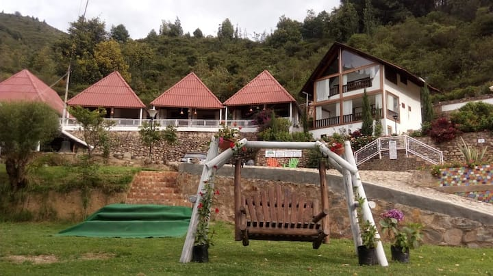 El Rincón de las Campanas, Cabaña Grecia.