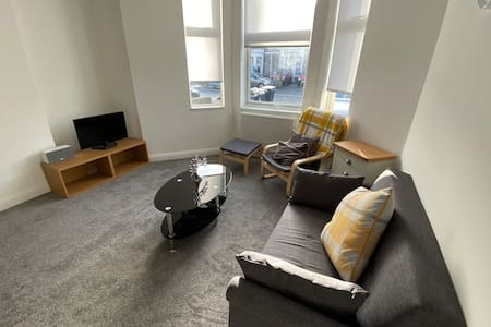 Brilliant Seaside Town Newly Refurbished Flat