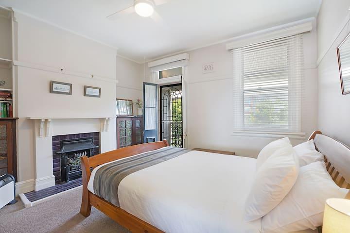 Newcastle Short Stay Apartments - Vista Apartment