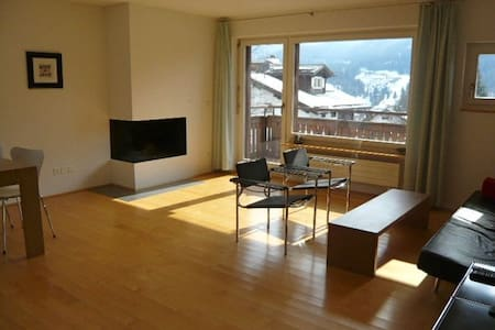 Luxary spacious 3 room apartment on sunny hillside - Klosters-Serneus - Lakás
