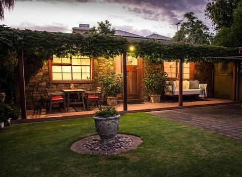 Rose Cottage Studio Apartment