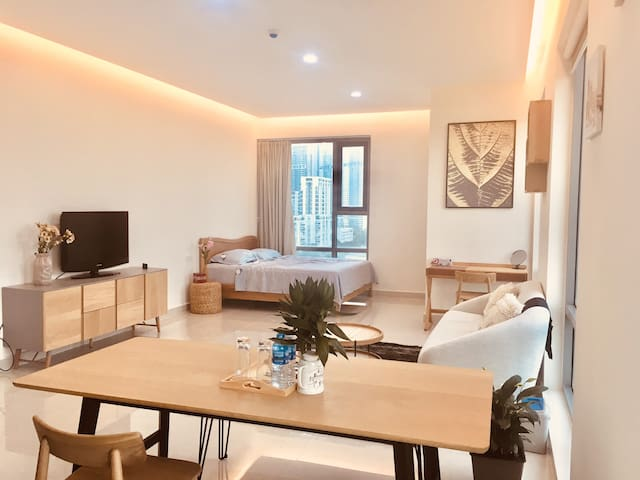 Golden King Luxury Apartment- Near SECC