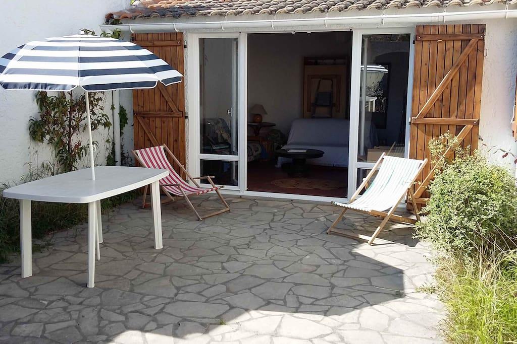 patio ensoleillé et sans vis à vis