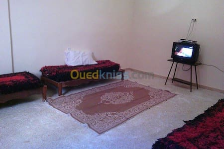 Clean House Near To Thermal station - Bou Hanifia