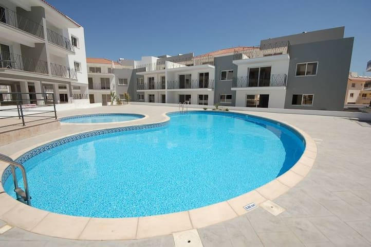 Nice, fully furnished 2-bed apartment with pool - Paralimni - Pis