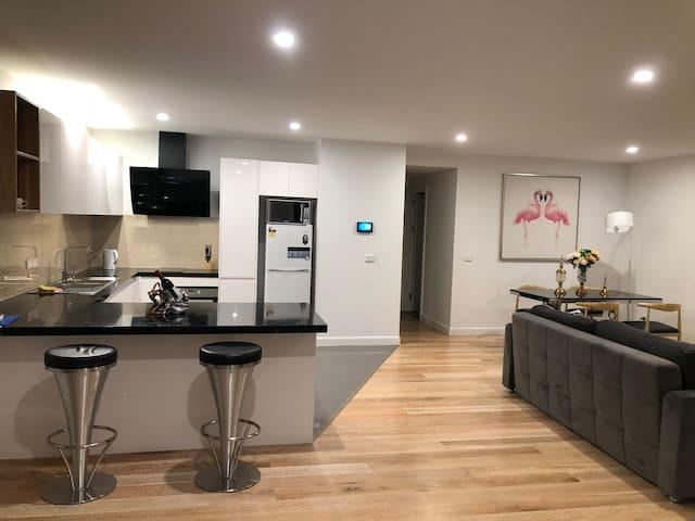 Unit 7, Block C, PIT, Luxury 1 bedroom Apartment