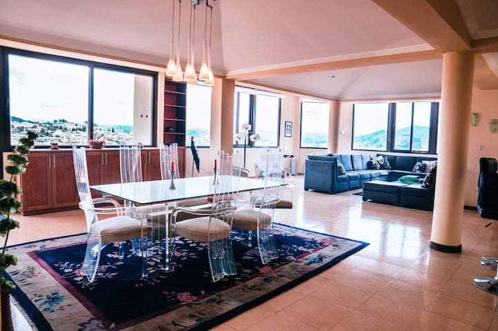 Luxury Penthouse in Beautiful Historic 'El Centro'