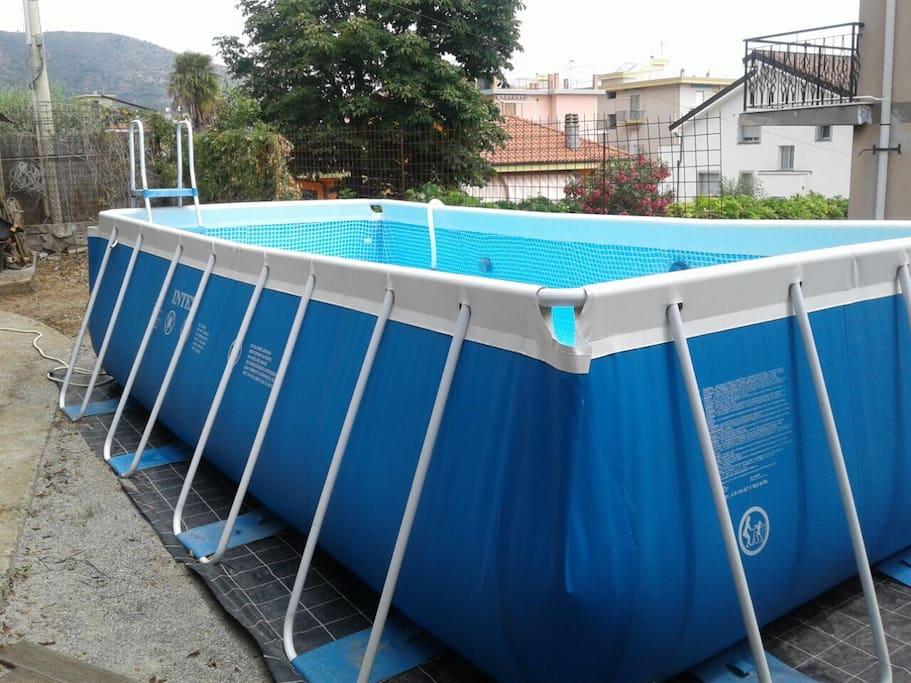 La gatta e il glicine b b stanza iside villas louer for Allergia al cloro delle piscine