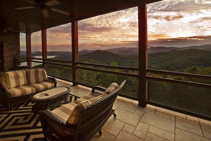 Luxury Living Above Lake Burton & Blue Mountains
