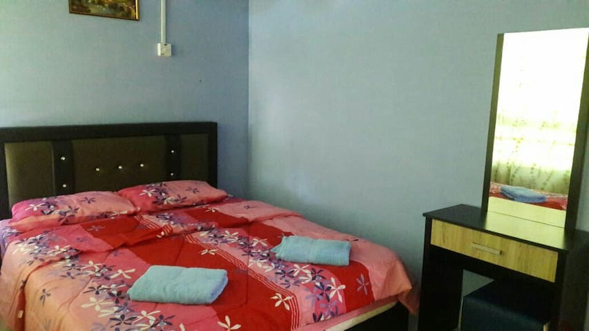 Budget Homestay M6-0 (Ground floor) - Penampang - Apartment