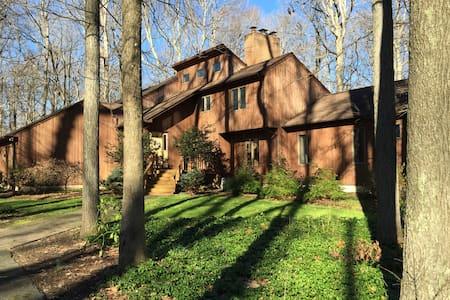 Lodge in the Woods-2 Queen Beds - Magnolia