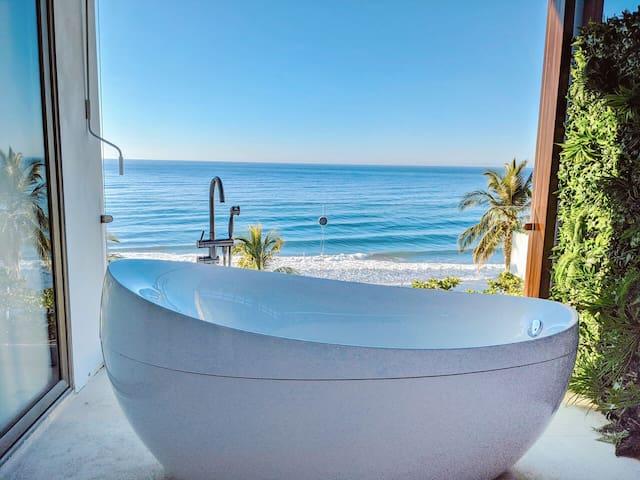 Garten Hotel Penthouse: An Idyllic Retreat