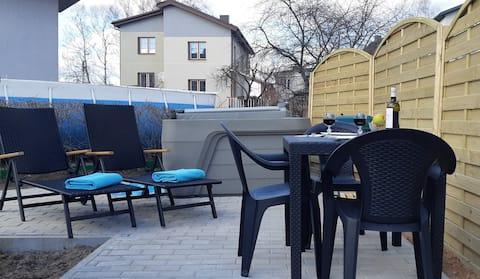 Studio apartment with outdoor jacuzzi and sauna