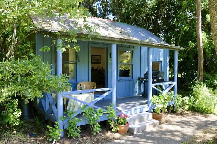 Akaroa Streamside Cottage