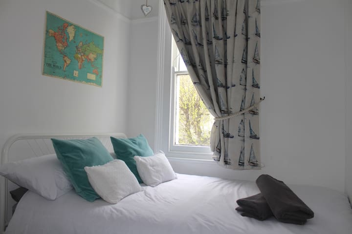 Cosy Room, near station & Leigh Broadway - Southend-on-Sea - Departamento