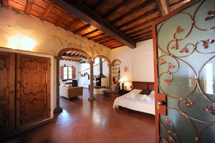 RAP Charming Towerhouse in Florence