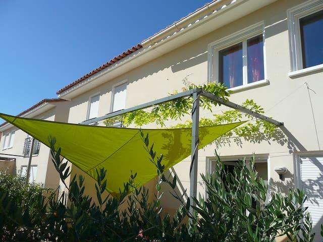 Contemporary villa in 5 km from Aix