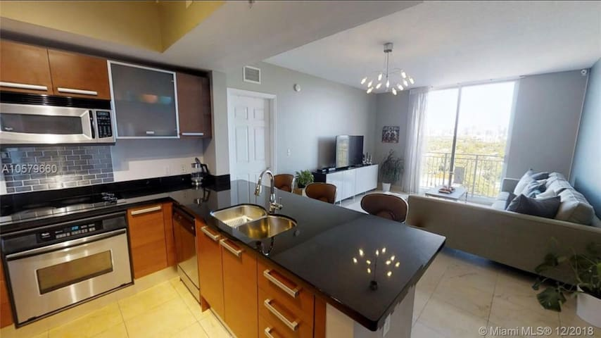 Roof Top Apartment Coral Gables near UM 1YR LEASE