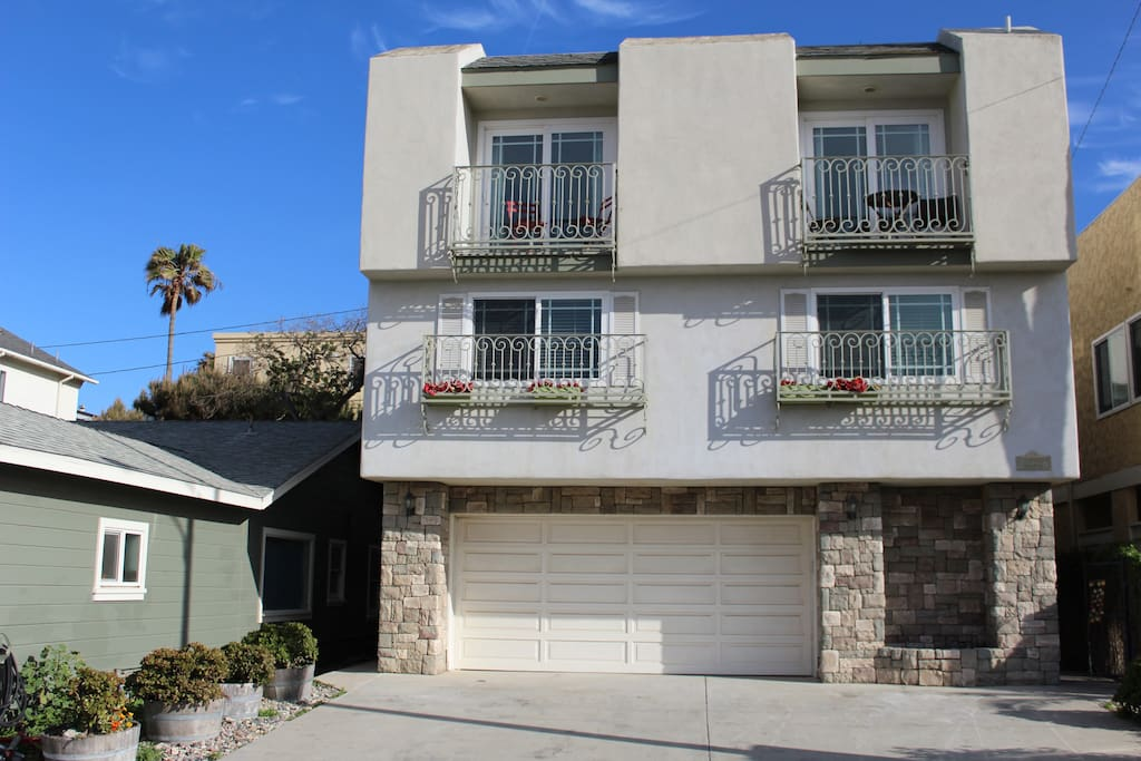 Front of House- Single story unit located on the 3rd floor with separate entranceu