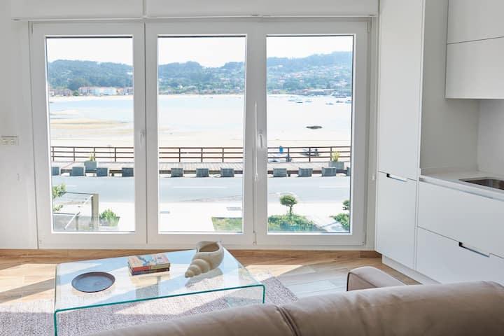 Apartamento con vistas frente a la playa de aldán