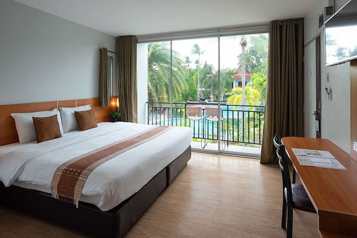 Superior Room King-bed or Twin-beds Pool View V