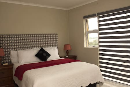 Entoz Self Catering (Entire House)