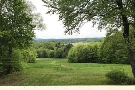 Tranquil studio overlooking the hillsides of VT!