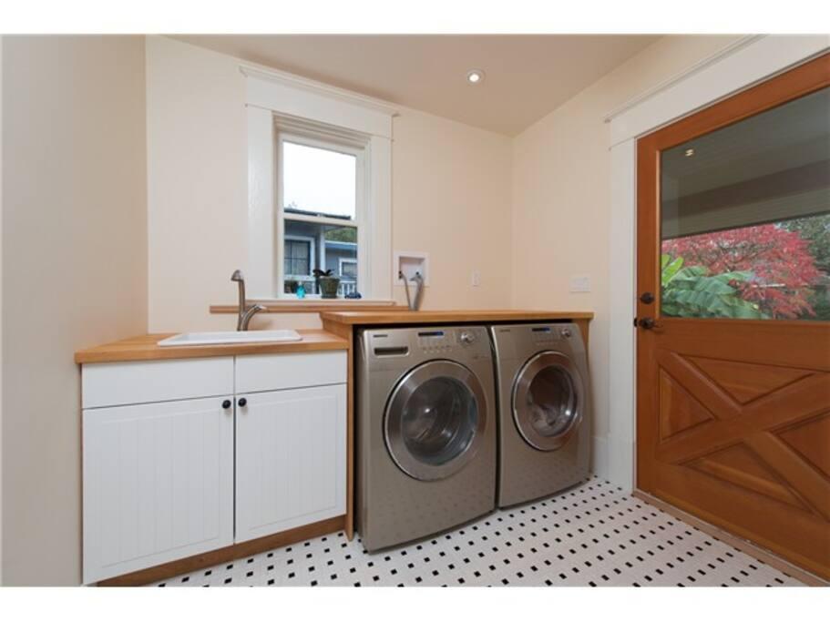 Handy main floor laundry