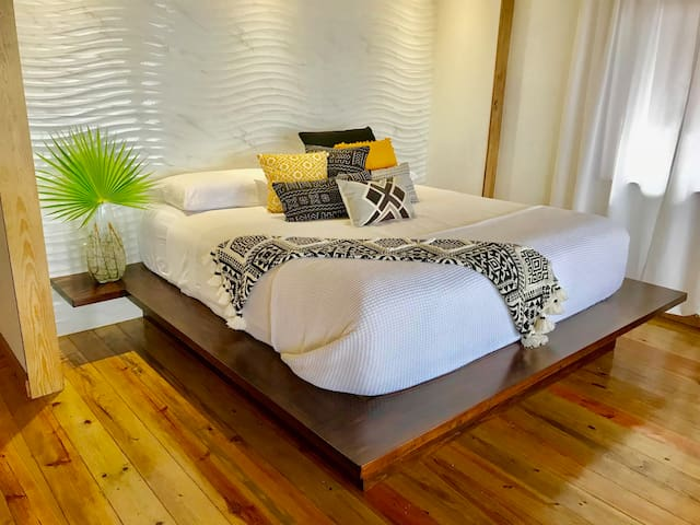 Custom King Bed With Memory Foam Gel Mattress & Egyptian Cotton Sheets.