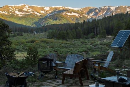 Tiny Cabin Glamping! Big Mountains! - Como - Cabin