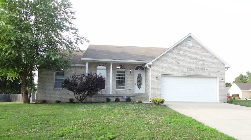 Louisville Single Family Home 6113