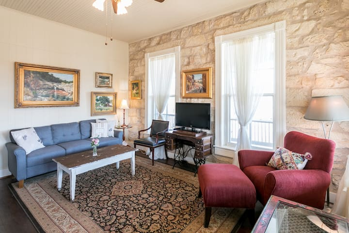 Balcony Suite | On Main St. | Pet-friendly
