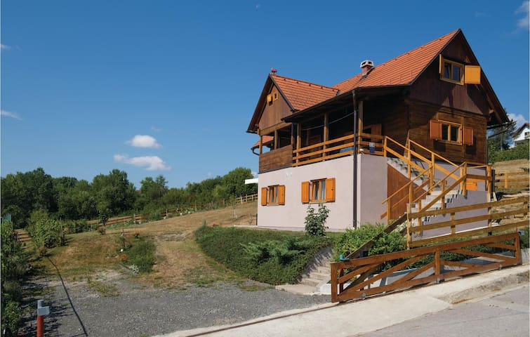Holiday apartment with 1 room on 31 m² in Topusko