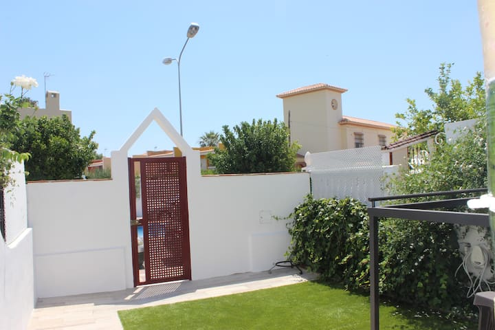 La Cala, casita junto a la playa - La Cala del Moral - House