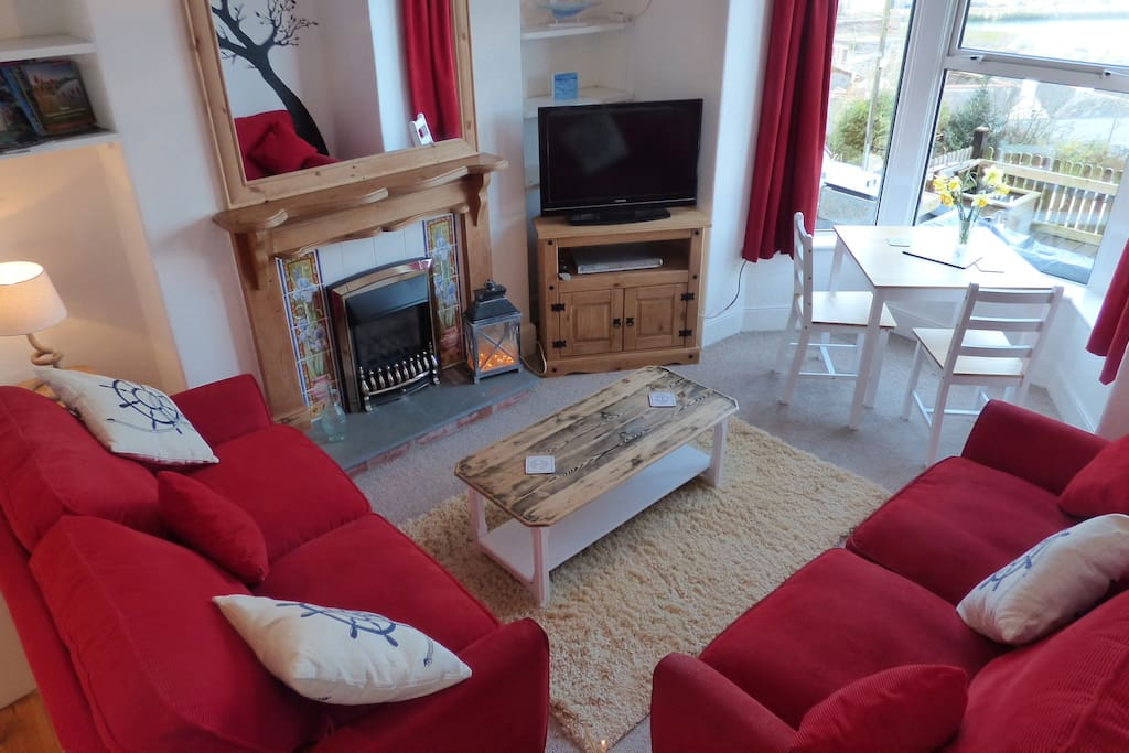Cosy living room with gas fire, TV, DVD player and Google Chromecast (stream YouTube, Netflix, iPlayer etc from your device to the TV)