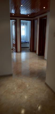 Aluga-se apartamentoT3!Ao pé do metro de Odivelas.