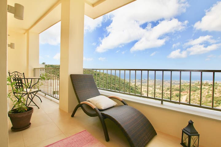 Ultimate Seaview Apartment in Samara Resort, Heated Pool