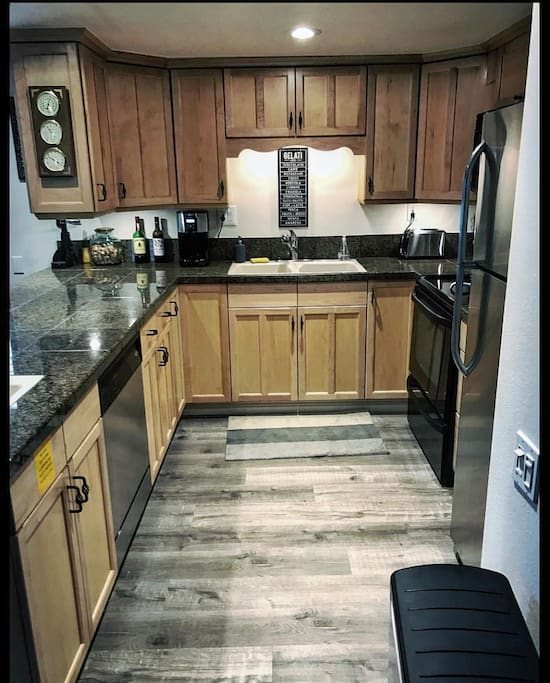 New Appliances & Flooring