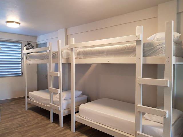 Hostel San Juan Bunk Bed#2 & Free Breakfast M-Sat