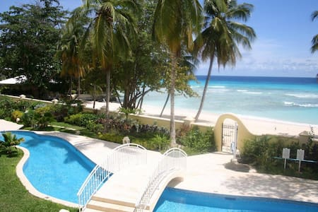 Beach Front Fab 3 double bed condo