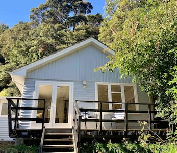 Sublime Silverstream Cottage