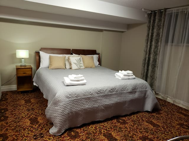 A king size bed waiting for your best romantic relax