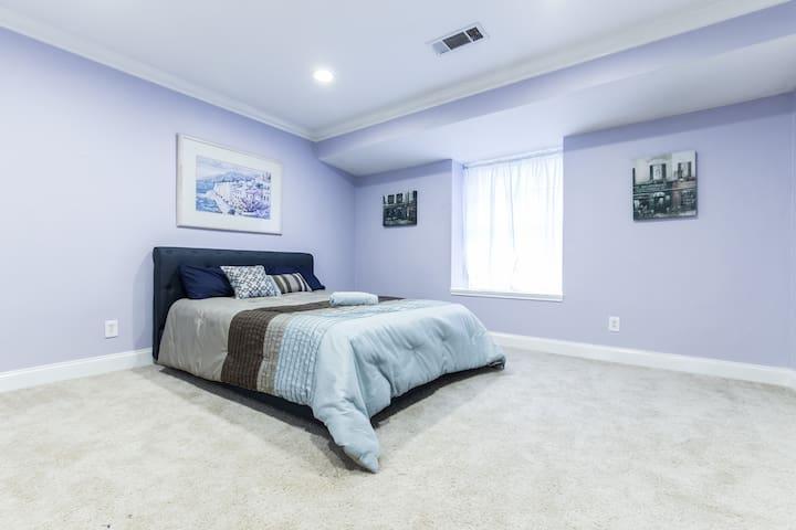 (P) Cozy, comfy room. Close to DART/shops/Downtown - Dallas - House