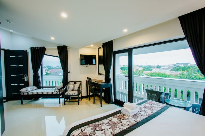 LUXURY Rooftop Double Room for 2 persons ! - Mountain and trees view - Near An Bang Beach (  10 mins by bike ) -Near Hoi An town ( 10 mins by bike ).