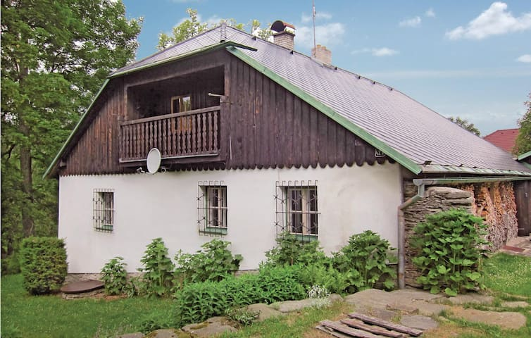 Holiday cottage with 3 bedrooms on 174m² in Cachrov
