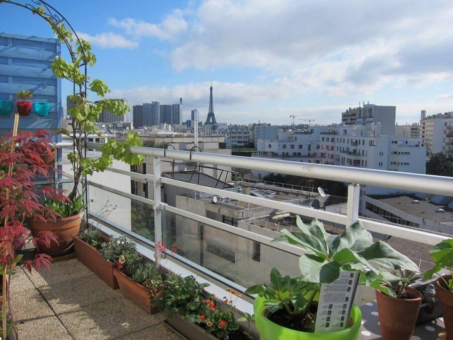 terrasse donnant sur la Tour Eiffel