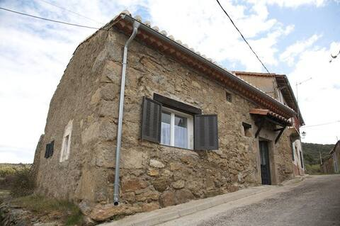 Renovated ancient house - quiet and comfortable