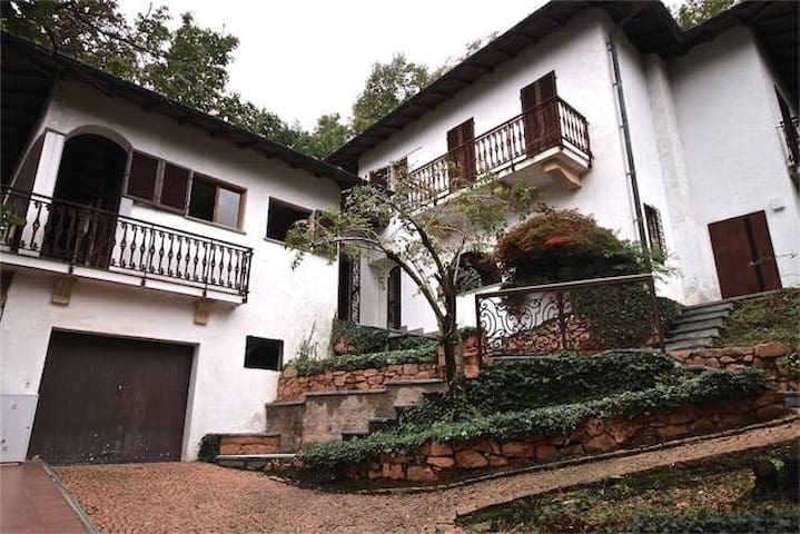 Ahimsa Villa Brusimpiano
